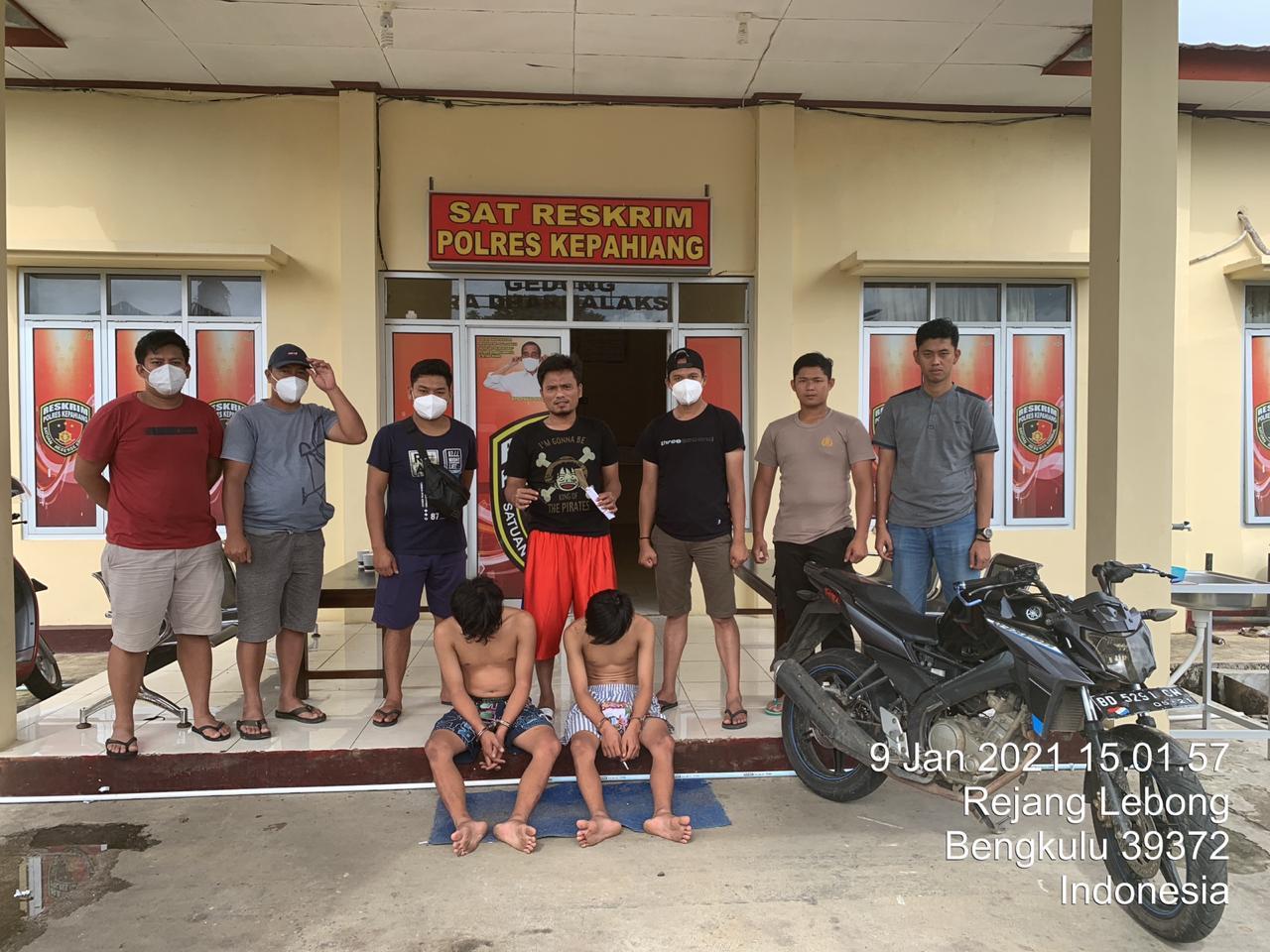 Tim Elang Juvi Tangkap 2 Pemuda Empat Lawang Bawa Sajam di Pasar Kepahiang