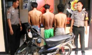 Coba-Curi-Motor-3-Remaja-ini-Bonyok-Dimassa-31mgt3ezqe9bmygax71cei