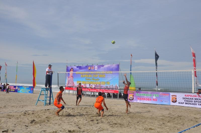 Kejuaraan Bola Voli Pantai Kapolda Cup 2016