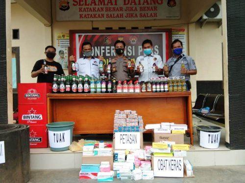 Ops Pekat, Polres Kaur Sita Ratusan Botol Miras & Obat Ilegal