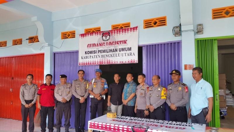 Team Polda Bengkulu Kunjungi Gudang Logistik KPU