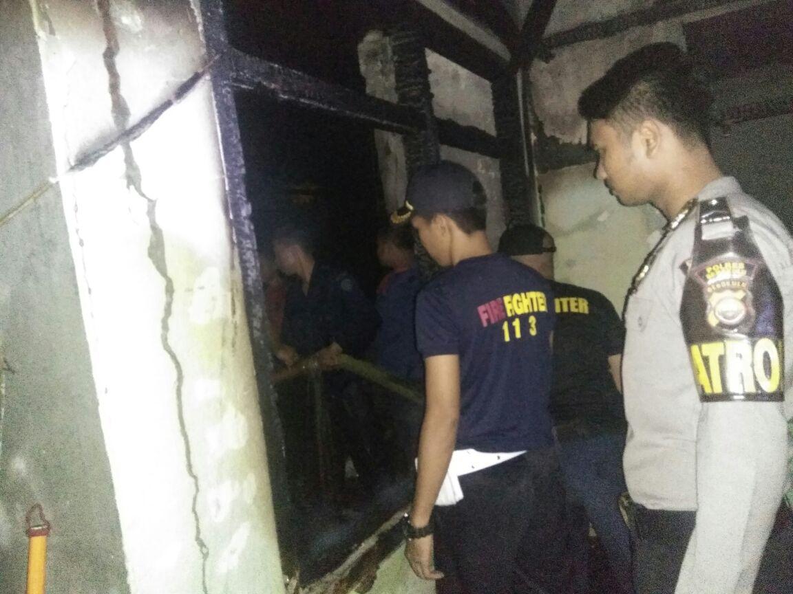 Rumah Anggota Polda Bengkulu Terbakar