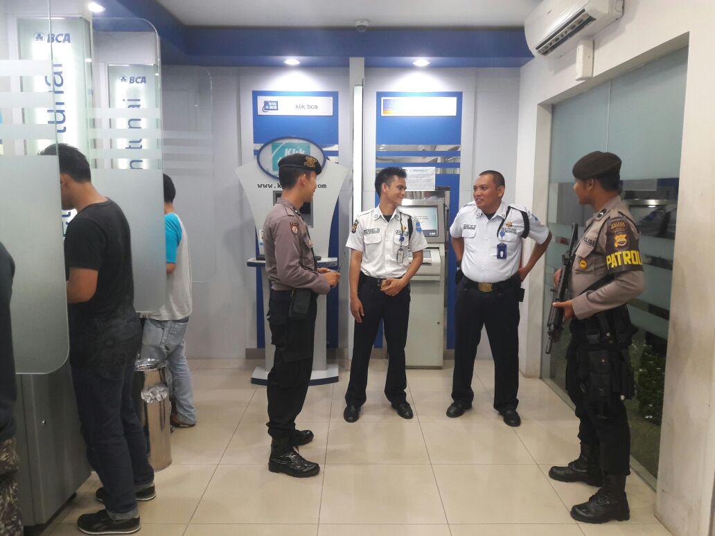Antisipasi Kejahatan di Perbankan, Unit Patroli 10.01 Melaksanakan Patroli Dialogis