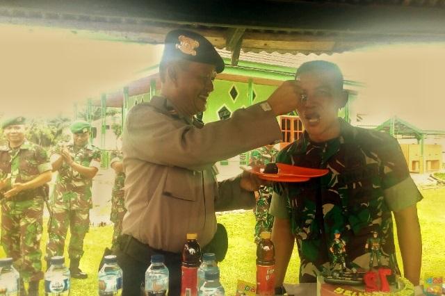 Serbu Markas Kompi Senapan C, Polisi Beri Surprise Hut TNI Ke 72