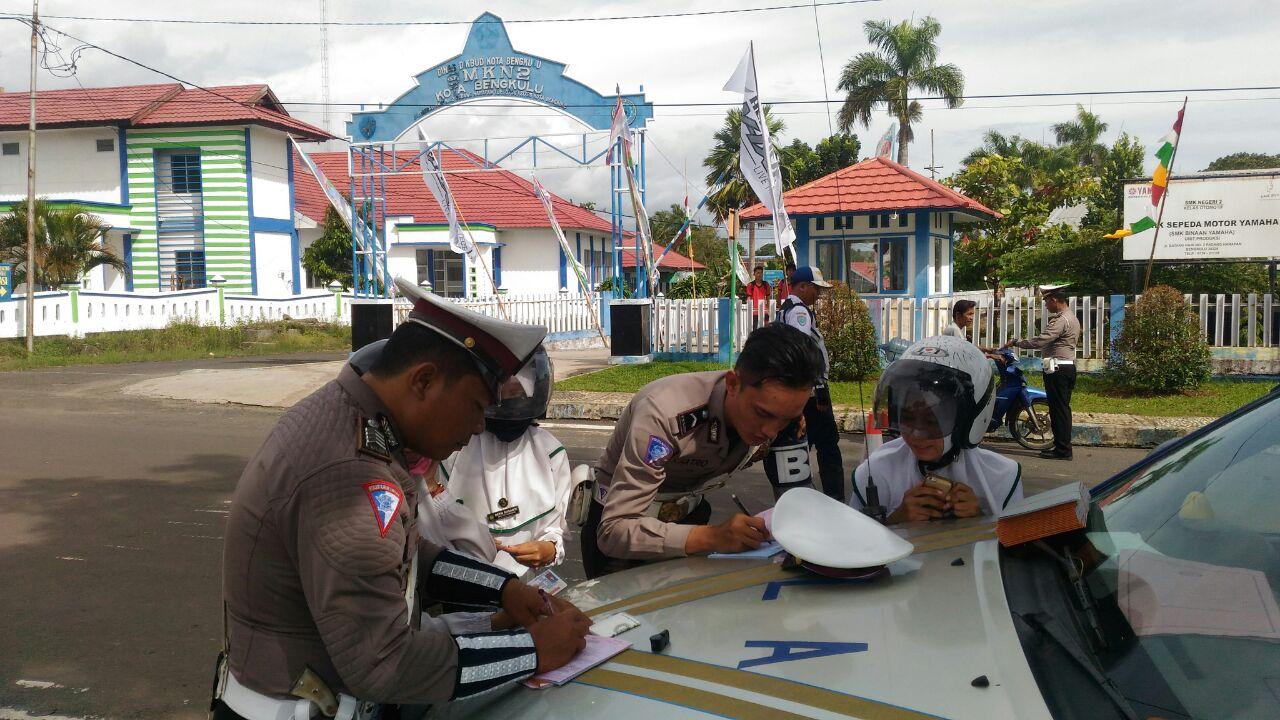 Gelar Operasi Rutin, Satuan Lalu Lintas Tertibkan Penggunaan Lampu Strobo