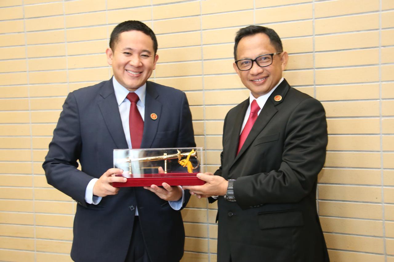 Pertemuan Bilateral Kapolri dan Sekretaris Senior Parlemen Kemendagri Singapura dalam 12 th AMMTC 2018 di Myanmar