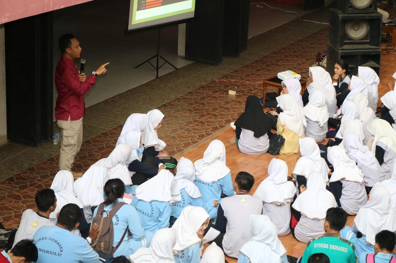 Foto: Polda Bengkulu Sosialisasi Penggunaan Media Sosial Pada Mahasiswa Unived