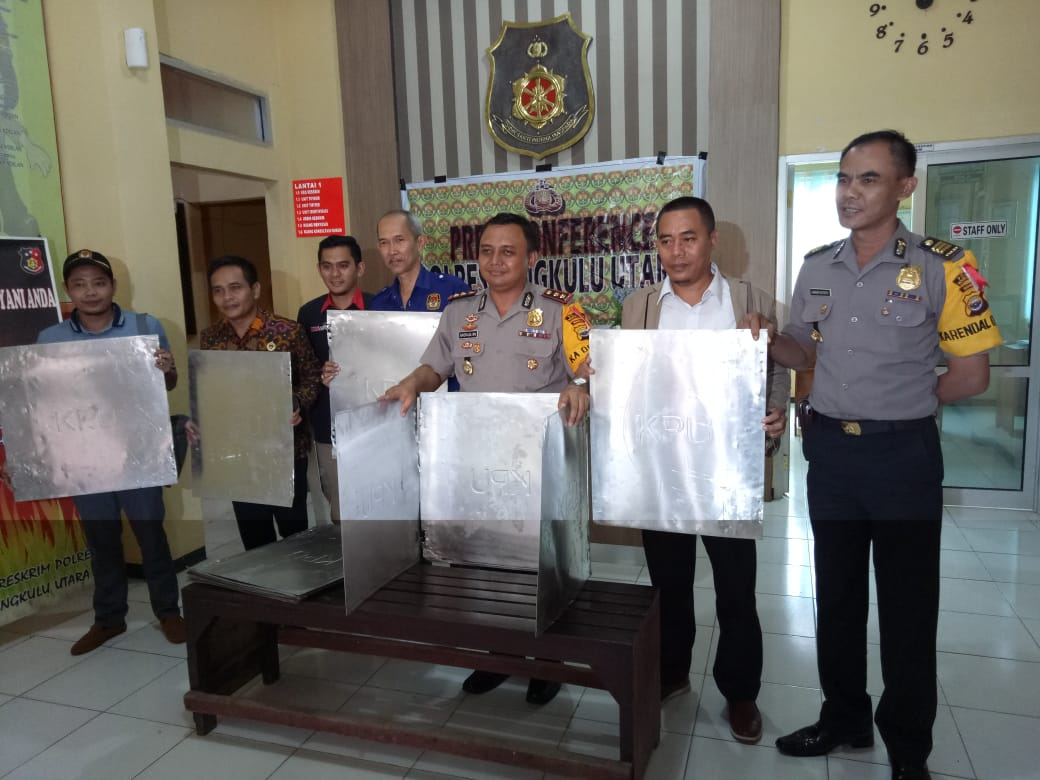 Polres BU Berhasil Ungkap Pelaku Kasus Lenyapnya Bilik KPU