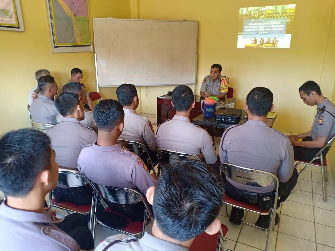 Tingkatkan Kemampuan Anggota, Sabhara Polda Bengkulu Gelar Pelatihan TPTKP