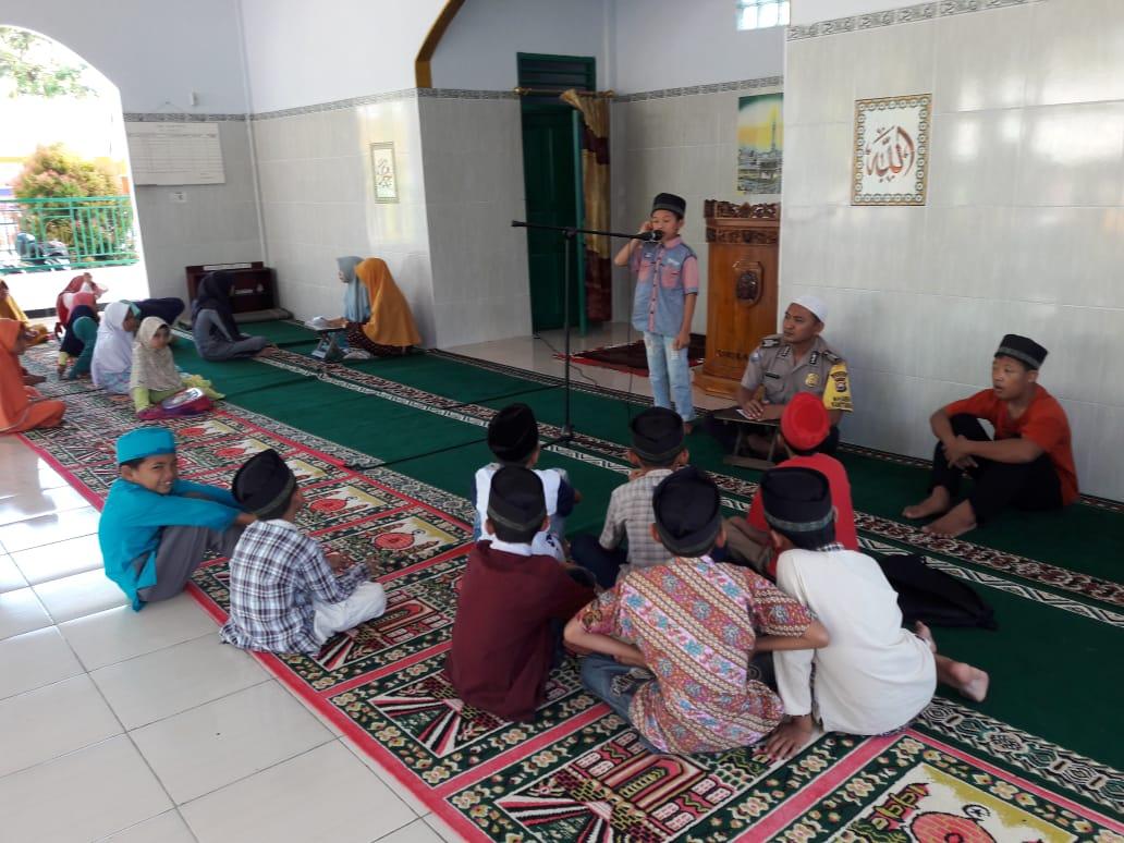 Kebersamaan di Bulan Ramadhan, Bripka Suharno Adakan Lomba di Taman Baca dan Pondok Ngaji