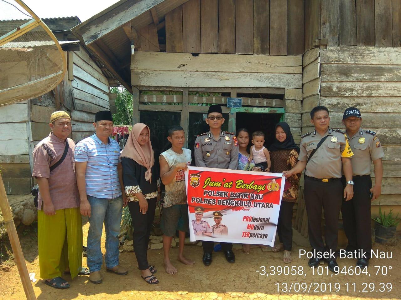 Inovasi Pelayanan Polri, Kapolsek Batik Nau Gelar Program Jumat Berbagi