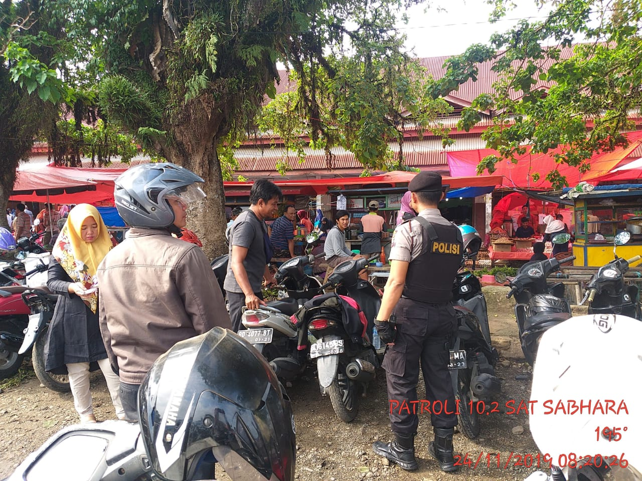 Cegah Aksi Premanisme, Tim Patroli Polres BS Sambangi Pasar