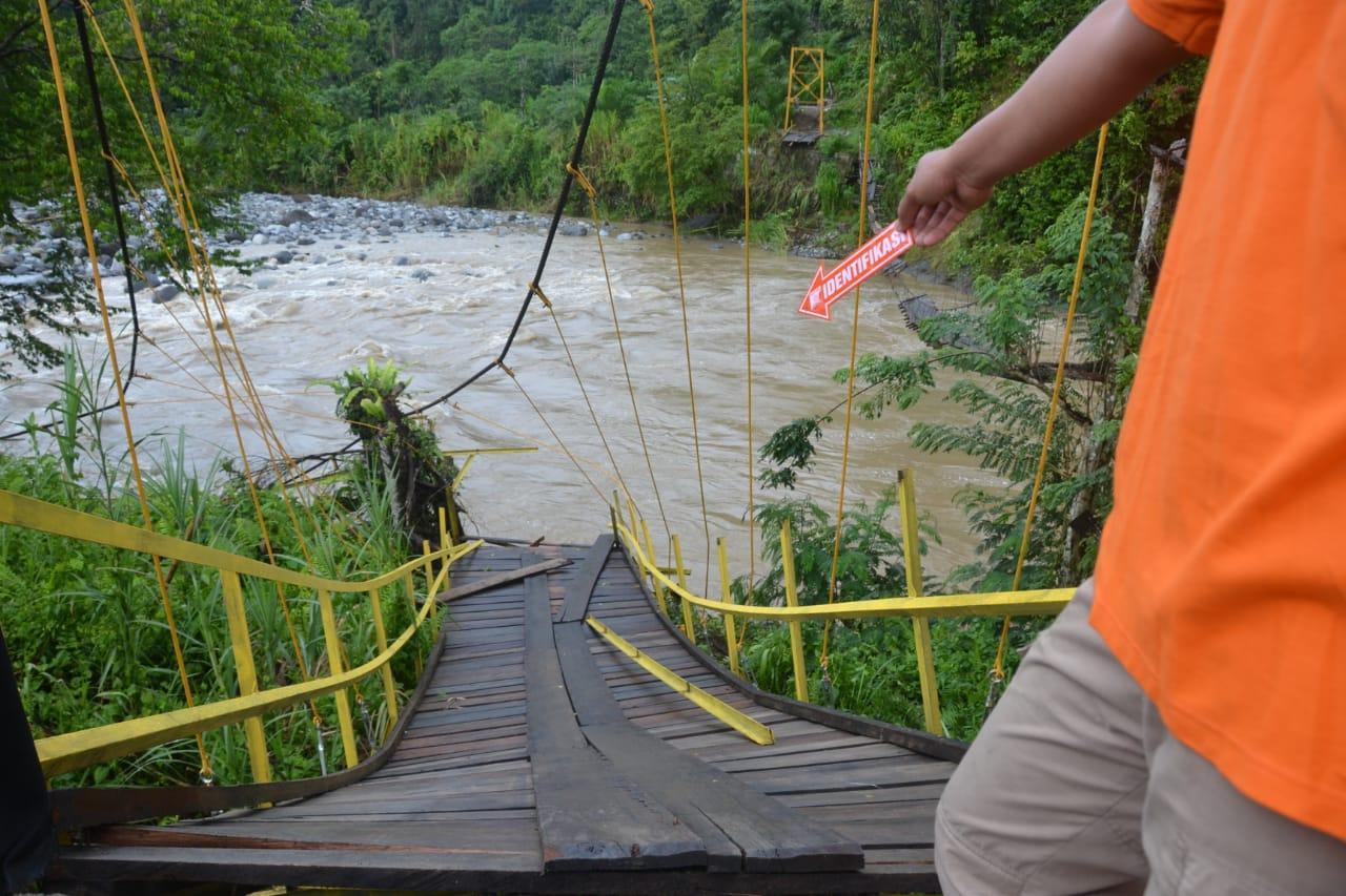 Selidiki Penyebab Jembatan Putus di Kaur, Polda Bengkulu Turunkan Tim Inafis