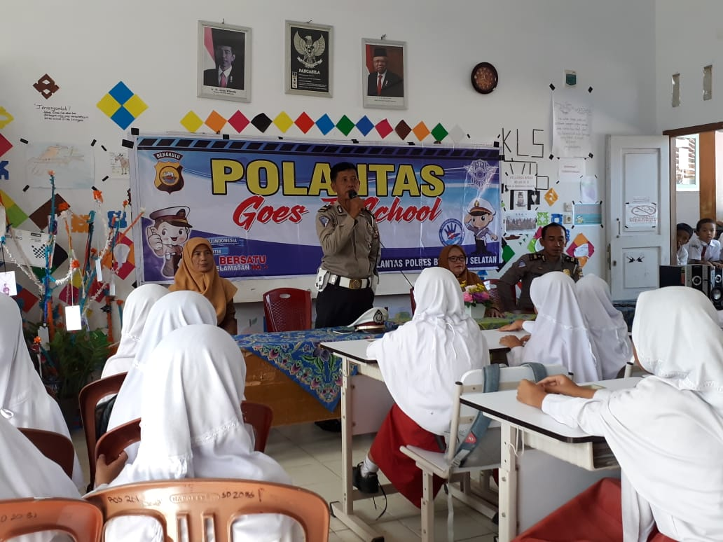 Ciptakan Kesadaran Tertib Lalulintas Sejak Dini, Polantas BS Gelar Sosialisasi di SD