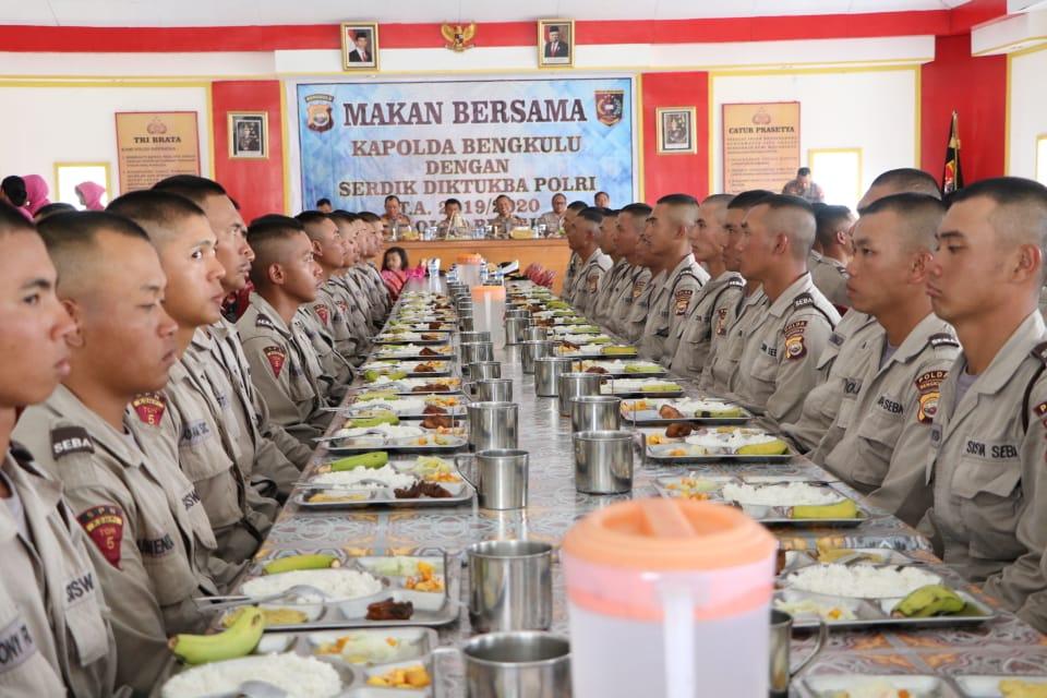 Kunjungi SPN, Kapolda Bengkulu dan Rombongan Makan Bersama Siswa Diktukba