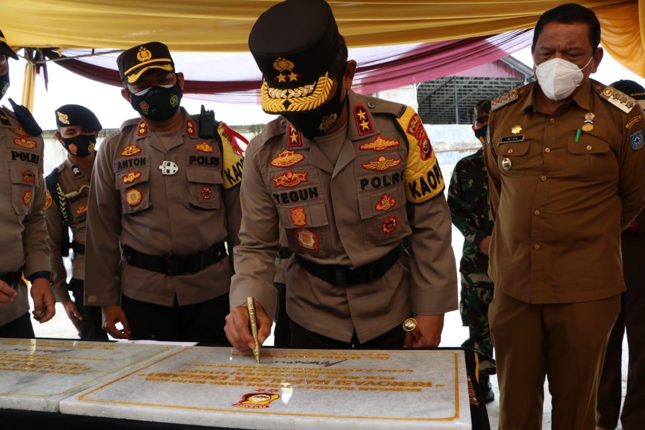 Kunjungi Polres BU, Kapolda Bengkulu Resmikan Mapolsek Enggano