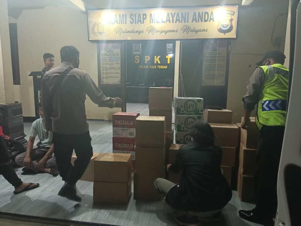 Razia Cipkon, Gabungan Personil Polsek Kaur Tengah dan Koramil Amankan Mobil Bermuatan Miras