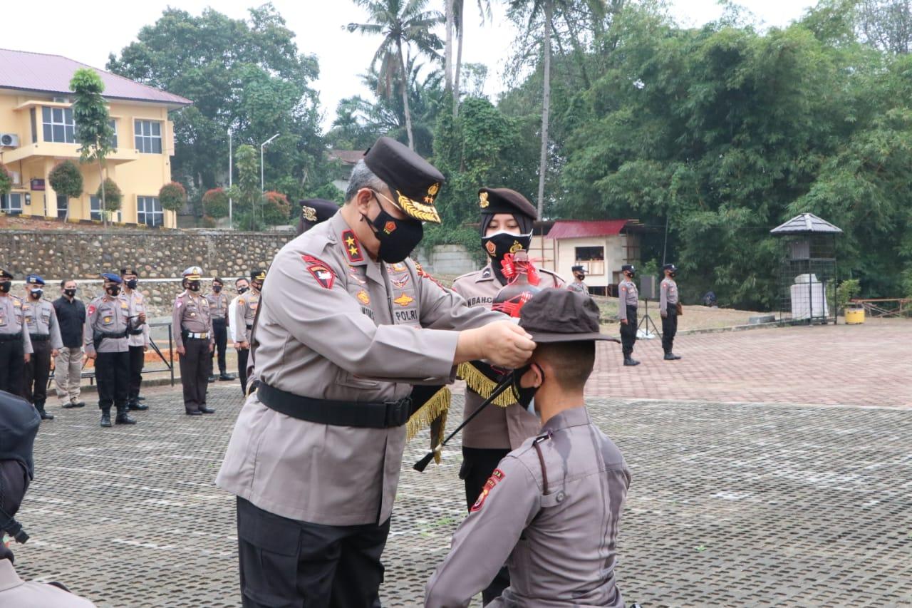 Tradisi Penerimaan Bintara, Kapolda Bengkulu Harapkan Bintara Baru Siap menjawab Tantangan Dalam Pelaksanaan Tugas