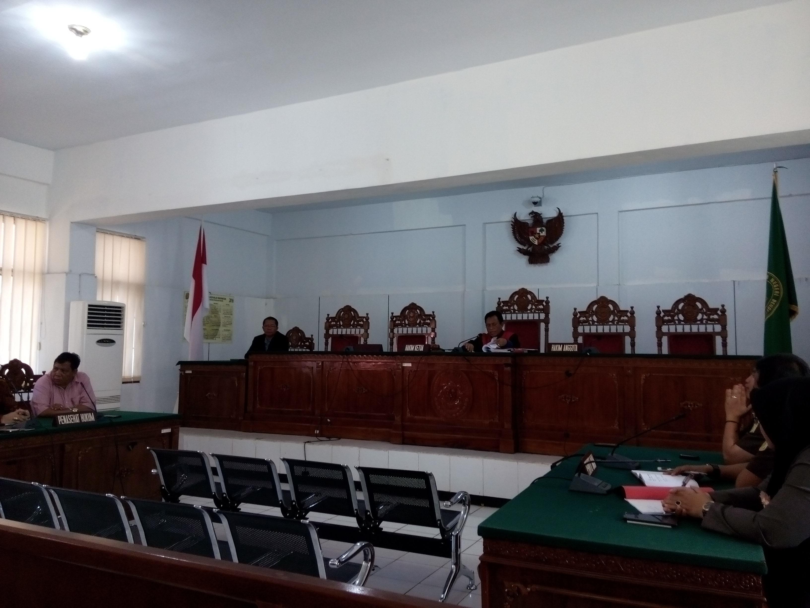 Hakim Kabulkan Gugatan Praperadilan Korban Novel