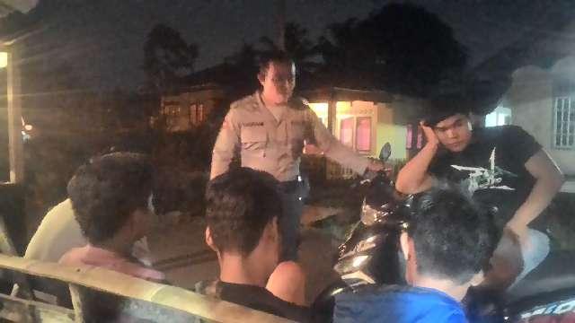 Operasi Bersinar, Polres Kepahiang Patroli Dialogis Terhadap Warga dan ABG