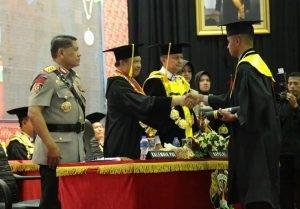 Kapolri Wisuda 279 Capaja Lulusan Akpol 2018 dan Beri Penghargaan kepada Wisudawan Terbaik