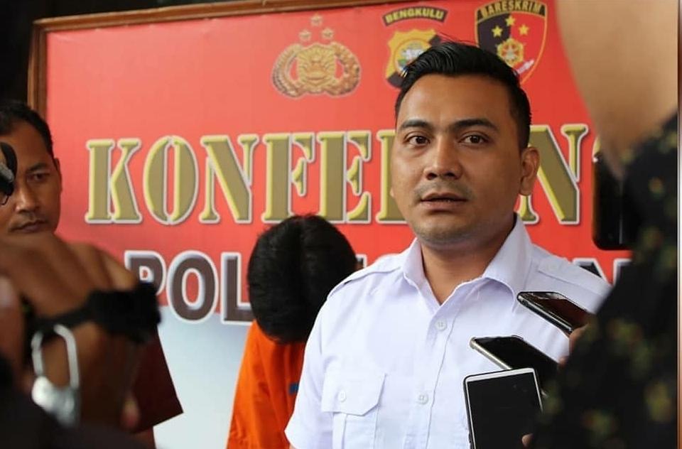 "Pengedar Narkoba ""Gorila"" Dibekuk Polres Bengkulu Usai Ambil Paket Dari Bandung"