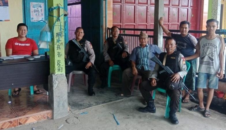 Aktif Patroli Harkamtibmas, Personil Brimob Yon A Pelopor Sambangi Warga