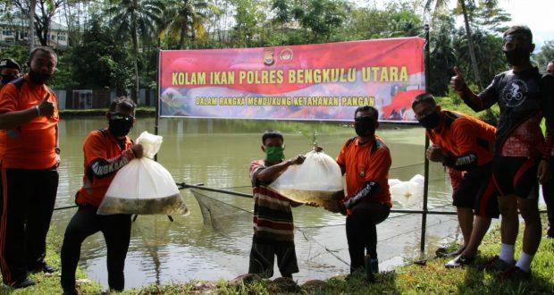 Program Ketahanan Pangan, Polres B/U Polda Bengkulu Lepas 12.000 Bibit Ikan