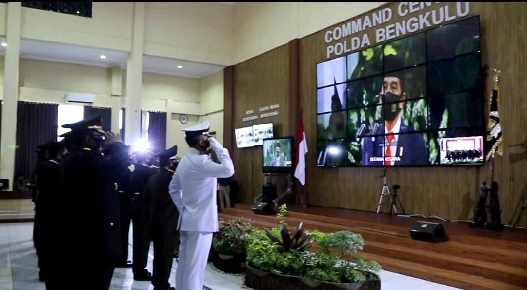Terhubung Mabes Polri dan Istana Kepresidenan, Polda Bengkulu Ikuti Upacara Virtual Hari Bhayangkara Ke-74