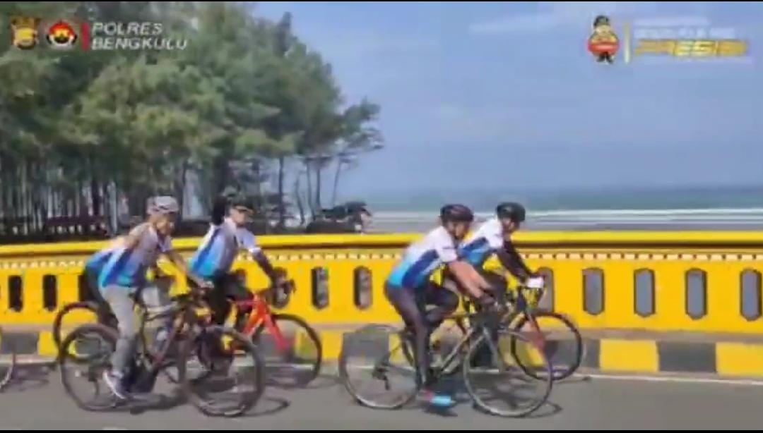 """GosipMas"" Cara Kapolres Bengkulu Olahraga Sembari Pantau Kamtibmas"