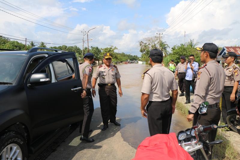 Pantau Banjir, Kapolda Siagakan Anggota