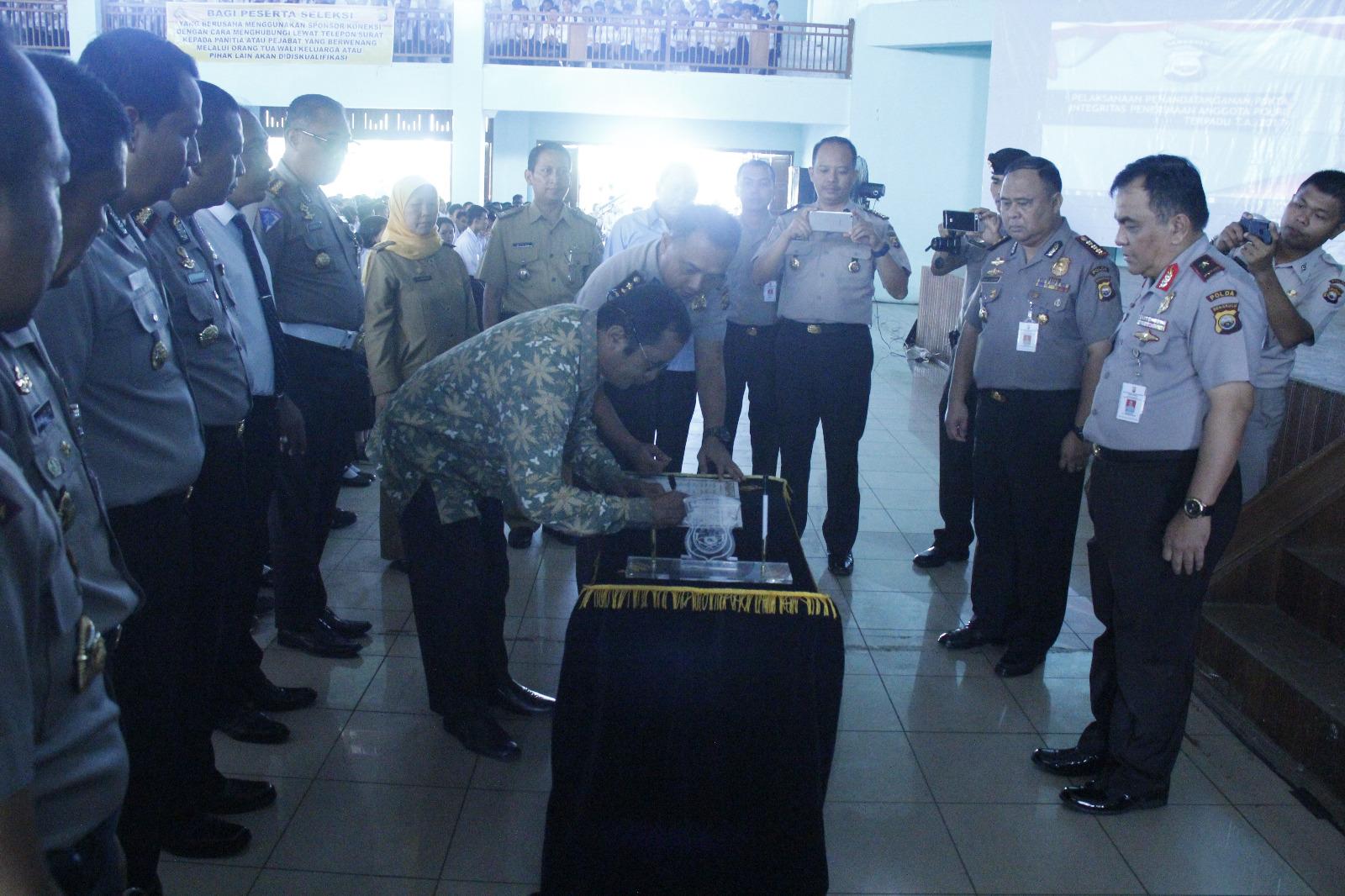 Penandatanganan Pakta Integritas Dihadiri Ribuan Calon Anggota Polri