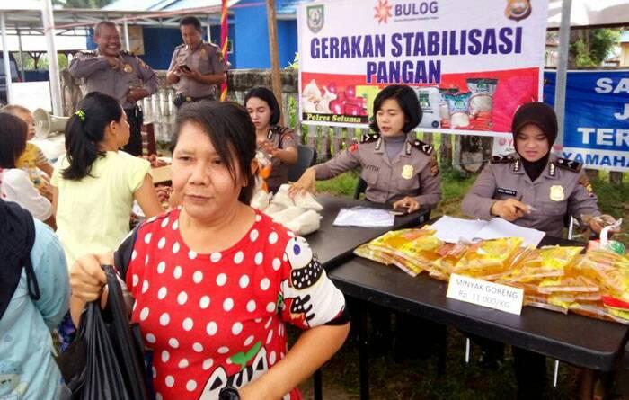 Sat Binmas Polres Seluma Gelar Pasar Murah