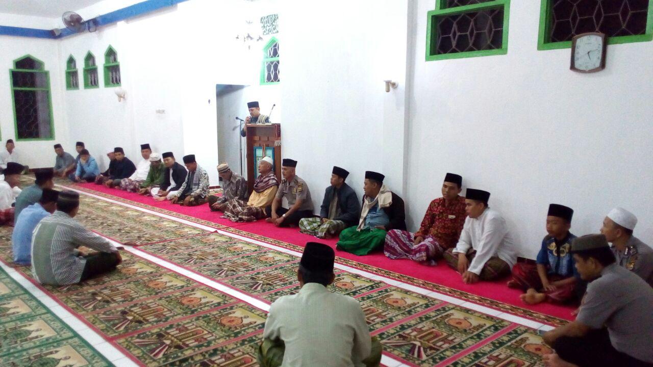 Shalat Subuh Berjamaah, Program Inovasi Polres Kaur Bersama Pemda