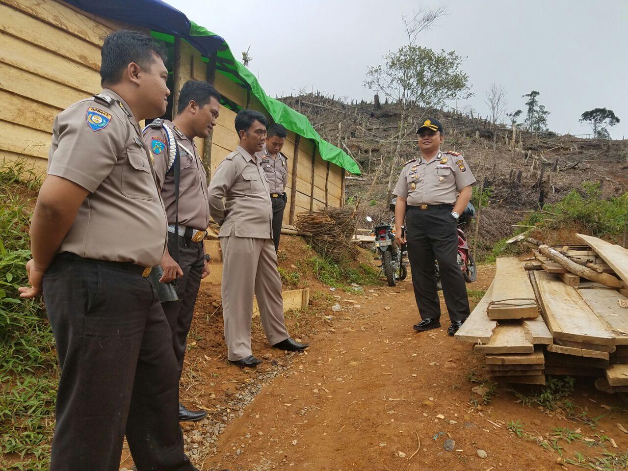 Kapolres Cek Personil Pengamanan Tapal Batas Bengkulu Utara Dengan Lebong