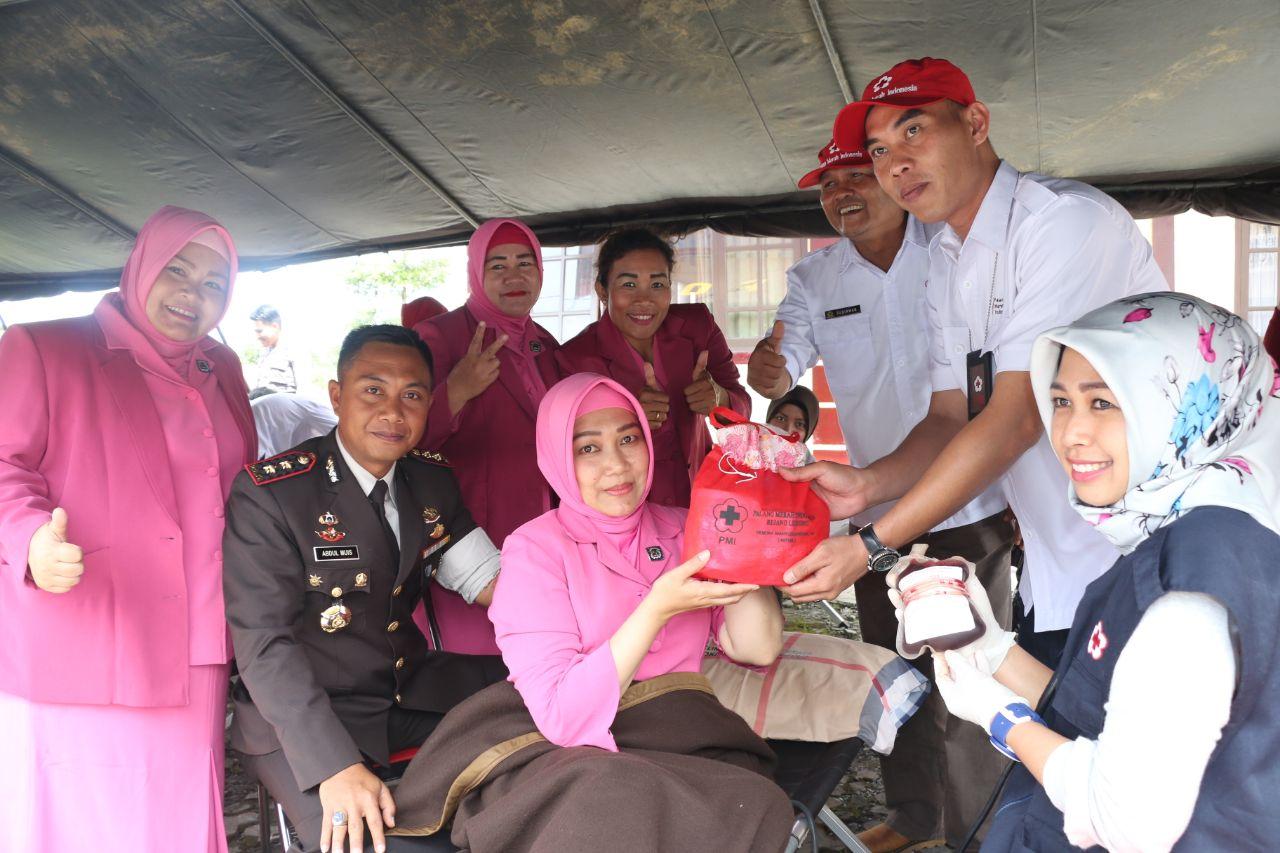Peringati Hari Pahlawan, SPN Bukit Kaba Lakukan Donor Darah