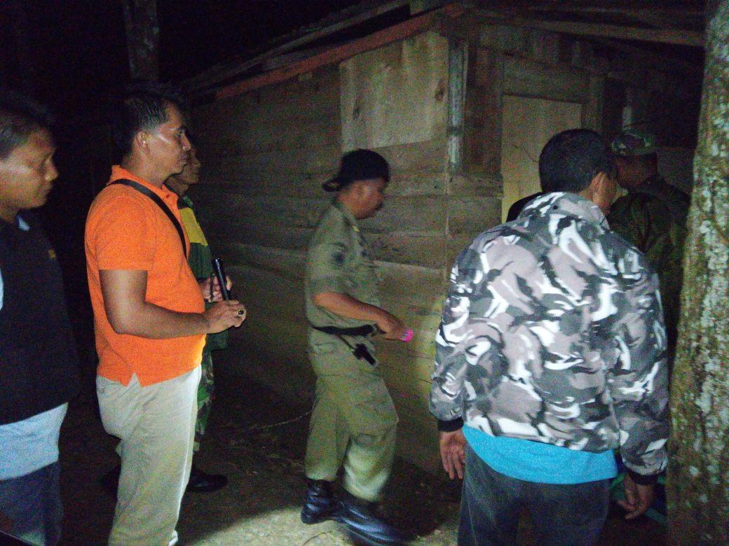 Puluhan Tim Gabungan TNI/POLRI dan Sat Pol PP Patroli Bersama