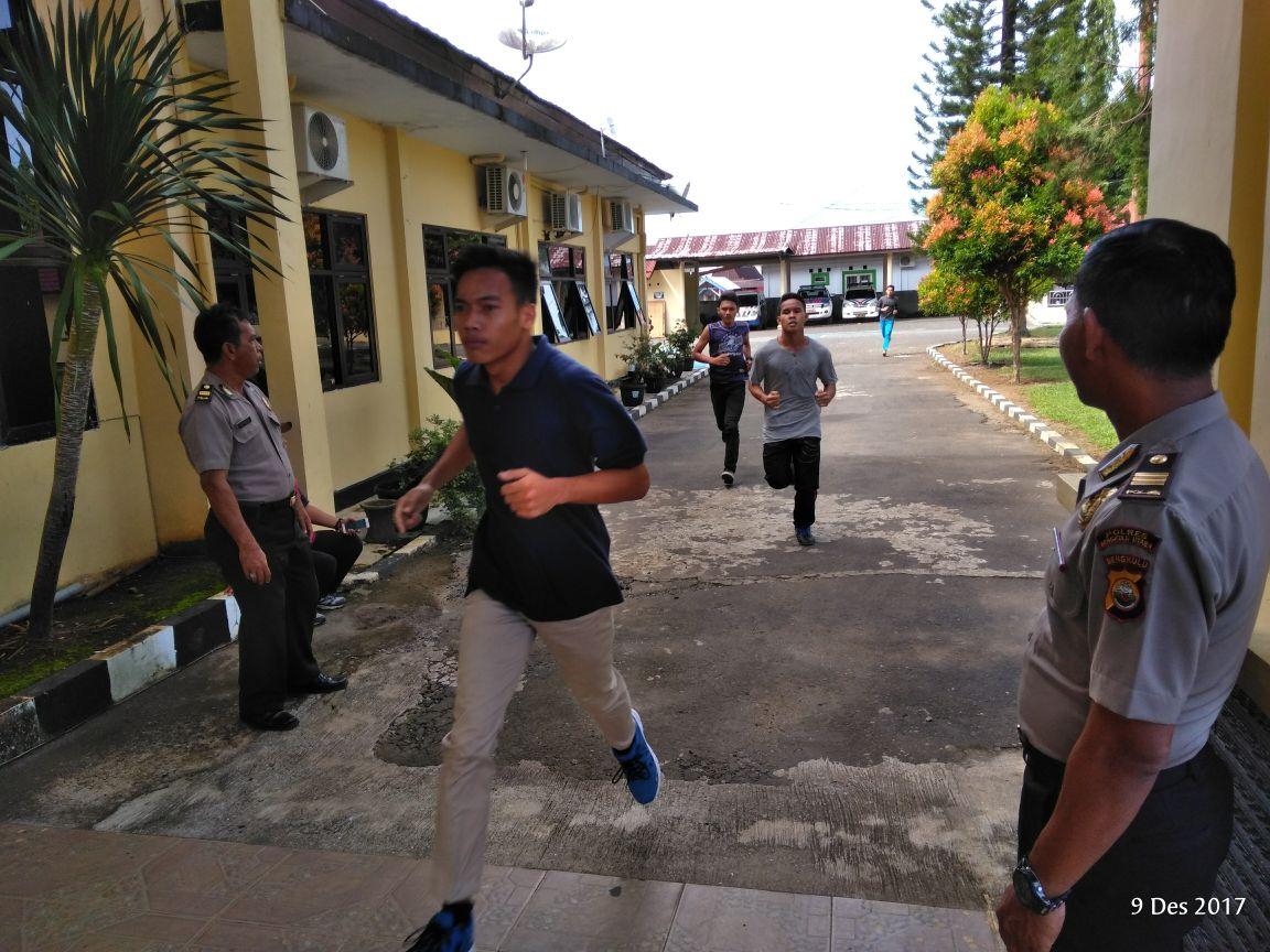 Puluhan Pelajar SLTA datangi Polres Bengkulu Utara