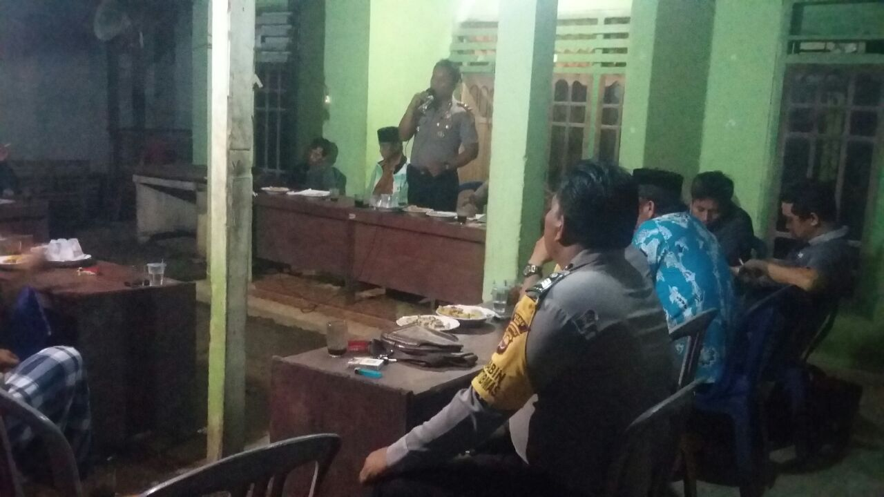 Jalankan Fungsi Pengawasan Dana Desa, Kapolsek Kaur Utara Hadiri Musdes Padang Manis