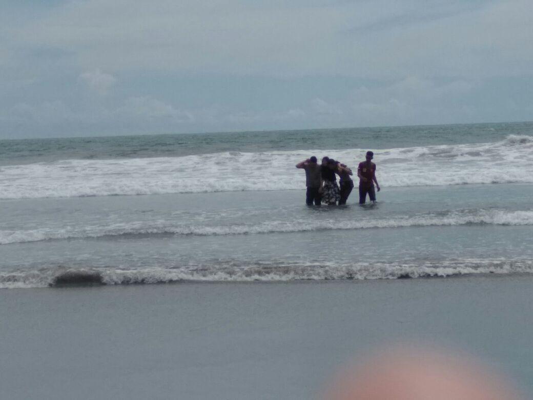 Anggota Dit Sabhara Polda Bengkulu Gagalkan Upaya Bunuh Diri