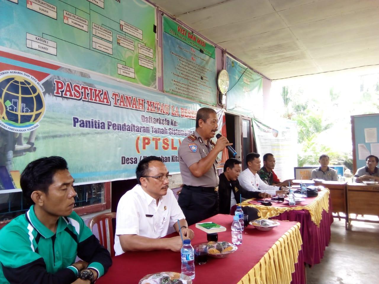 Sinergitas Antar Instansi, Sat Binmas Dampingi BPN Sosialisasi PTSL