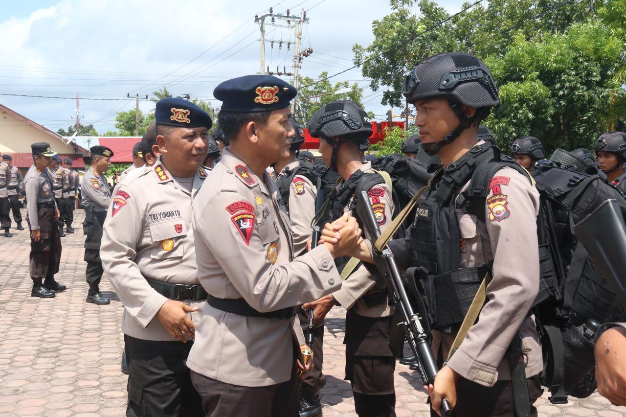 Kapolda Bengkulu Lepas Pasukan Brimob BKO Ke Papua