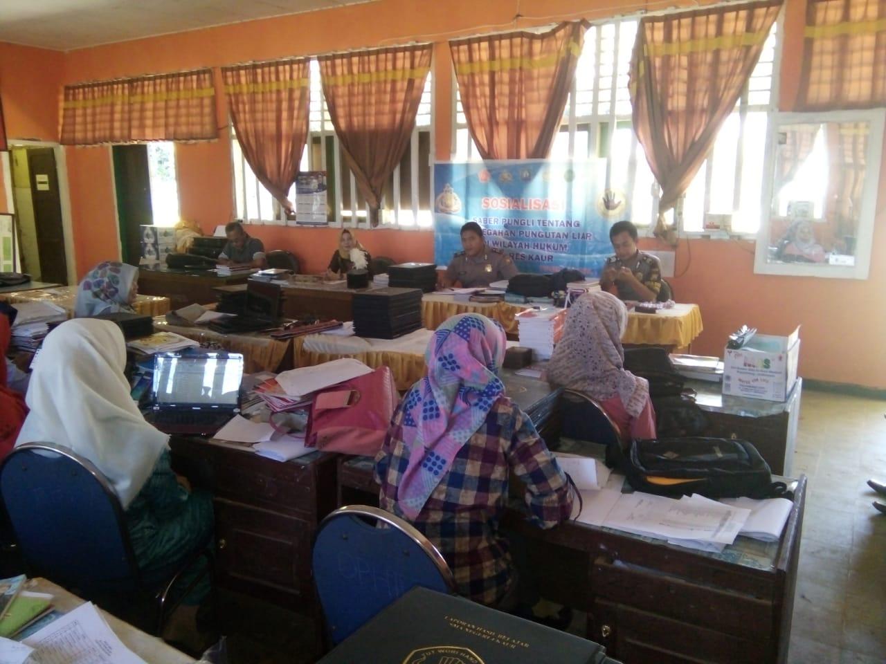 Cegah Pungli Disekolah, Polsek Kaur Utara Gelar Sosialisasi