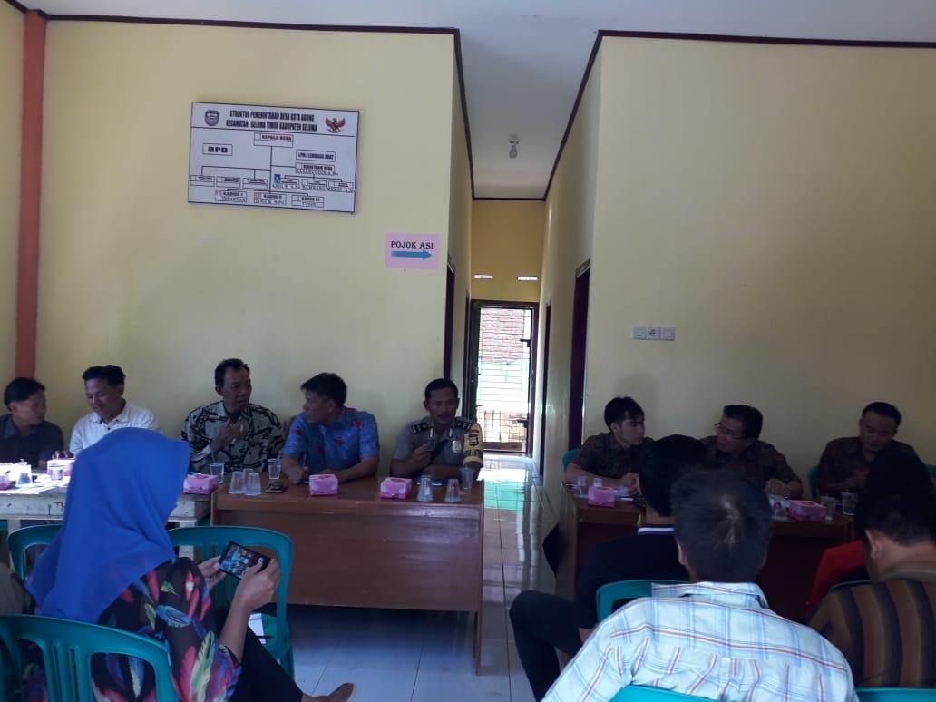 Rapat Bersama Desa Kota Agung, Bhabinkamtibmas Gelar Binluh