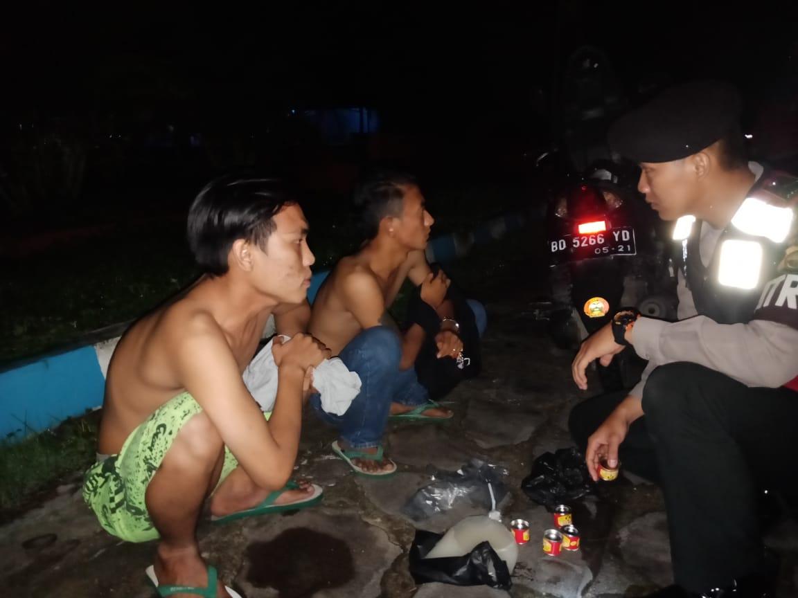Pesta Tuak, 3 Pemuda Digiring Ke Kantor Polisi
