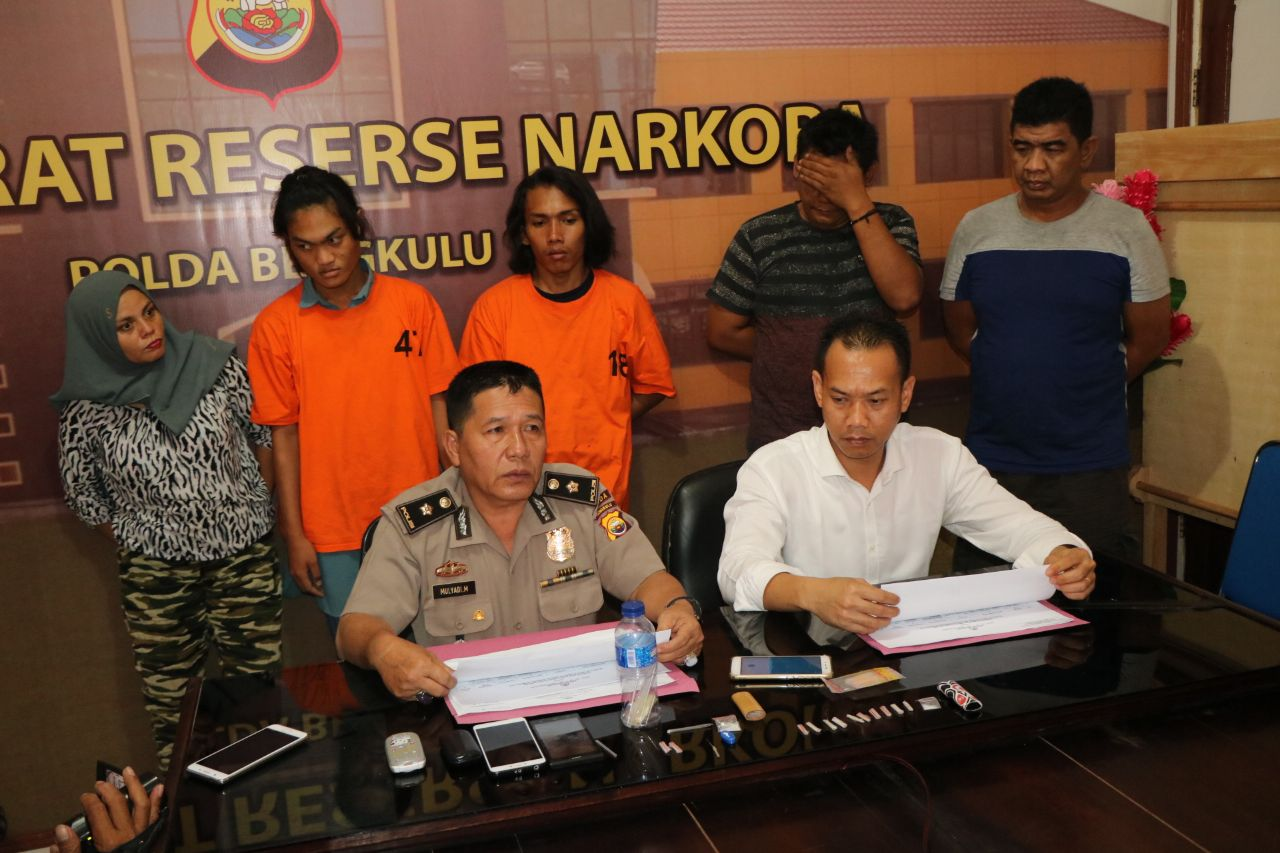Polisi Tangkap Pelaku Narkoba, Mulai dari Ibu Hamil Hingga Waria