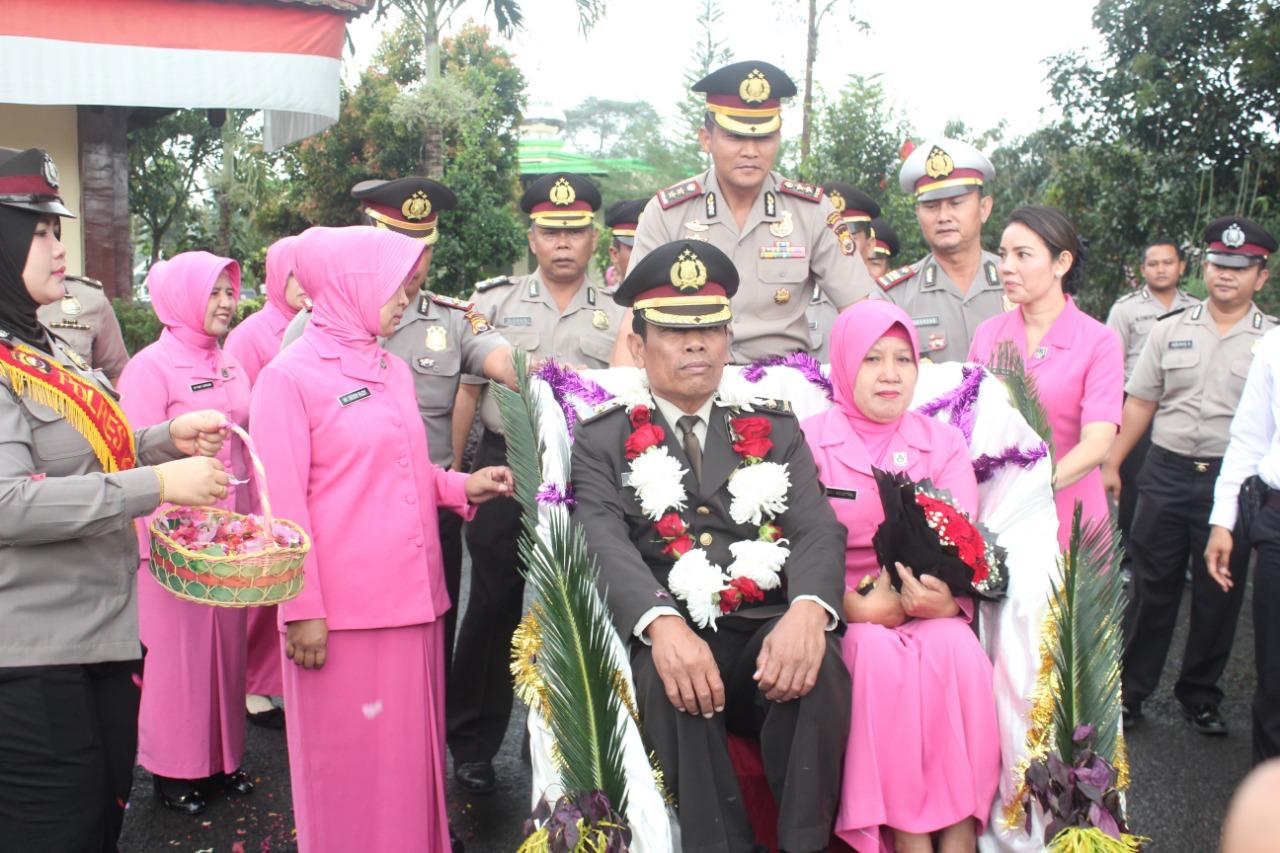 Keluarga Besar Polres Kepahiang Resmi Melepas Kompol Agustan Dengan Hormat dan Khidmat