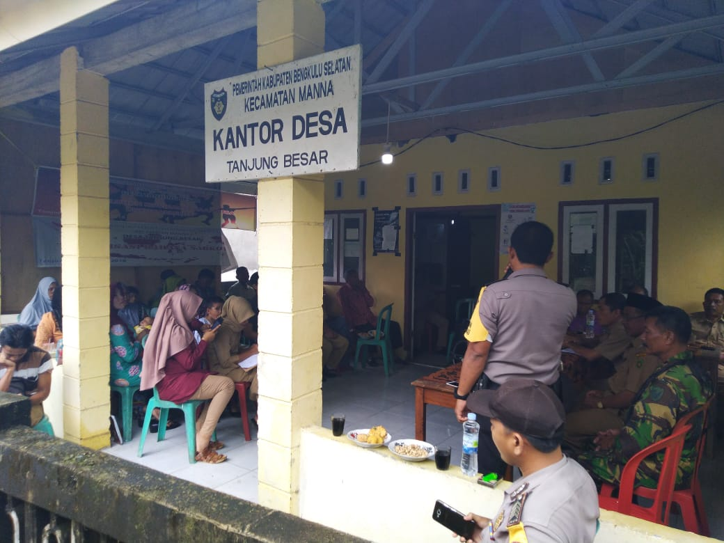 Transfaransi Dana Desa Tanjung Besar, Serah Terima Bangunan Fisik Melalui Rapat Bersama