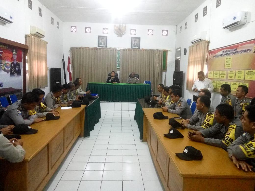 Kumpulkan Kanit dan Anggota Bhabikamtibmas, Wakapolres Kaur Arahkan Peningkatan Pelayanan Kepolisian