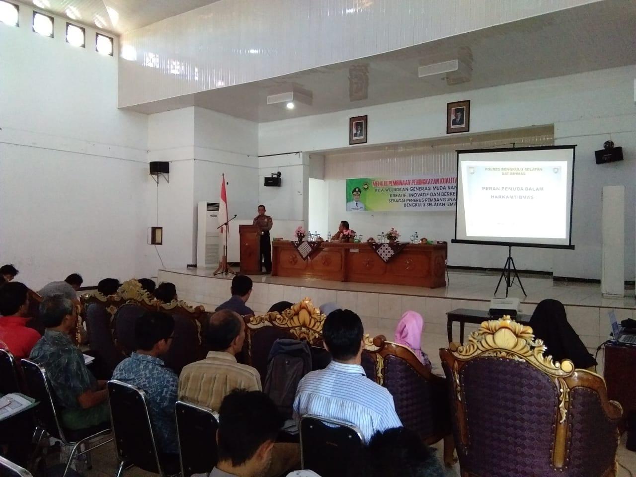 Narasumber Pembinaan Karang Taruna, Kasat Binmas Polres Bengkulu Selatan Binluh Peran Pemuda Dalam Harkamtibmas